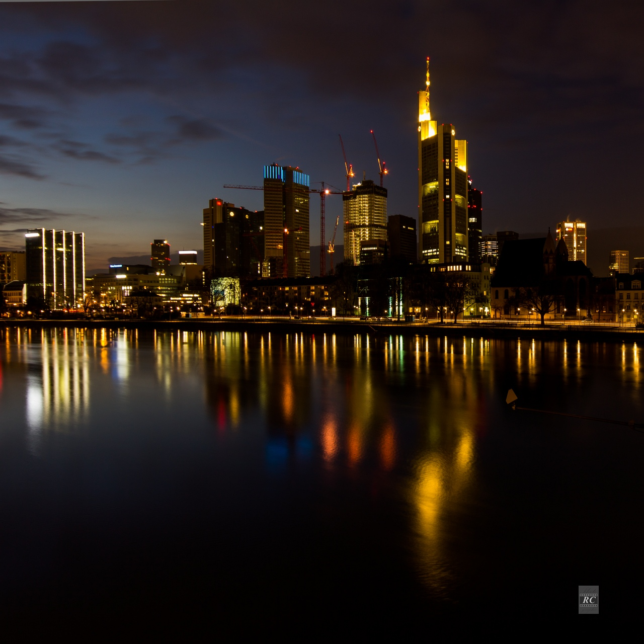 frankfurter skyline am abend rc photographie. Black Bedroom Furniture Sets. Home Design Ideas